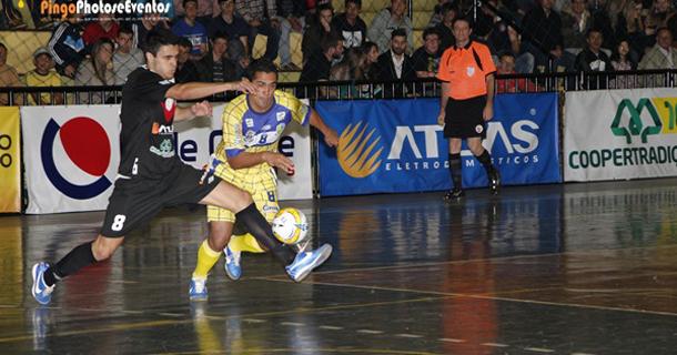 0965a2f7d9 Cascavelenses precisam vencer todos seus jogos para ter chance de  classificação.