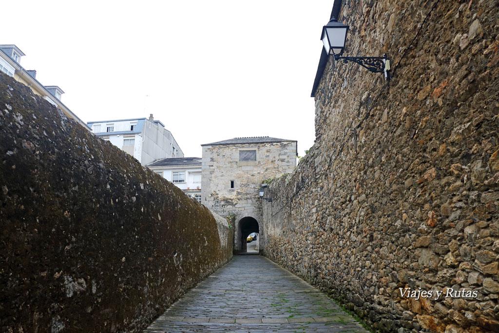 Puerta do Valado y calleja de las monjas, Viveiro, Lugo
