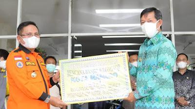 Bantuan Korban Bencana Manado Pemkot Gorontalo, di Terima Walikota GSVL