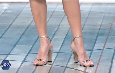 mia ceran scarpe piedi nudi quelli che il calcio 31 gennaio