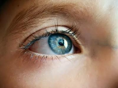 4 Cara Menjaga Kesehatan Mata Secara Alami