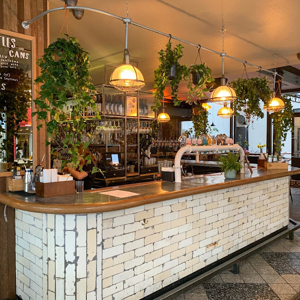 MANCHESTER EATS (AND SLEEPS!): WILSON'S SOCIAL AND HOTEL/HOSTEL SELINA