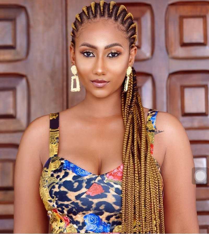 Latest All Back Ghana Weaving Styles