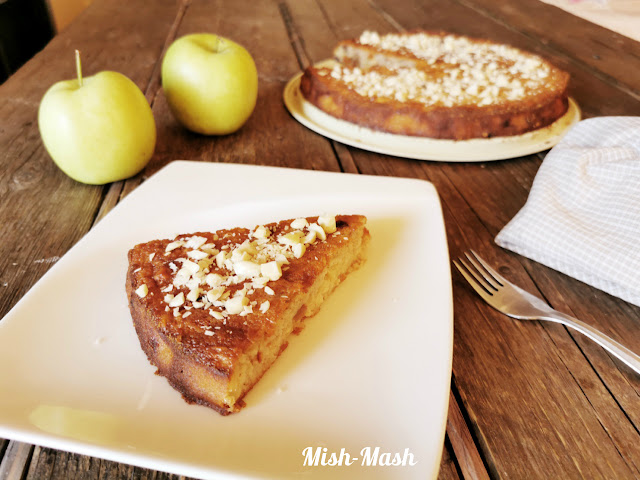 Ябълков сладкиш с грис