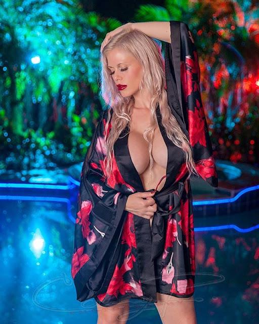 Casca Akashova Photos