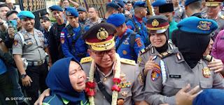 Suasana Haru Iringi Pelepasan Kapolda Jambi Yang Lama Irjen Pol Drs Muchlis AS.MH