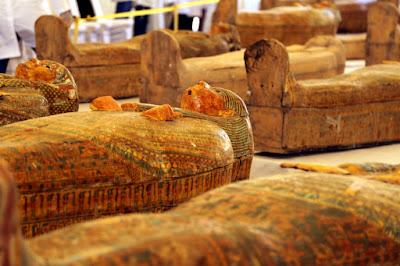 Θαμμένες επί 3.000 χρόνια οι σαρκοφάγοι στο Λούξορ - Μια από τις μεγαλύτερες ανακαλύψεις στην Αίγυπτο