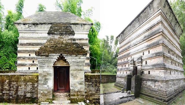 Makam Fatimah Binti Maimun Gersik 1082