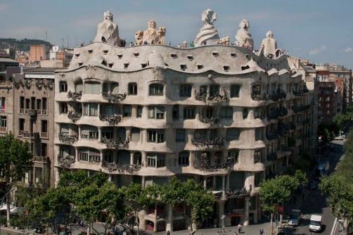 Mengintip Keindahan Situs-situs Bersejarah Barcelona