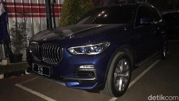 Teranyar dari Pinangki, BMW Semiliar Lebih Terparkir di Gedung Bundar