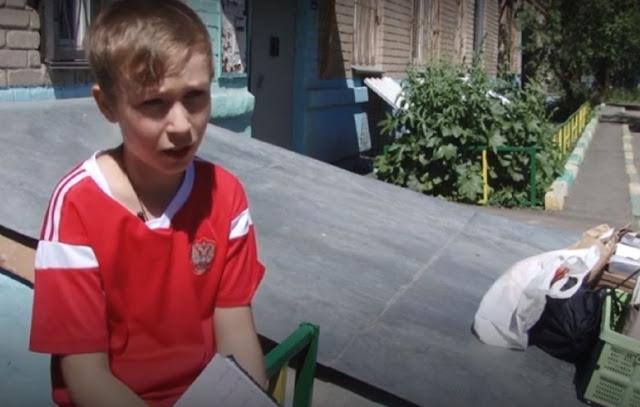 Школьник устроил сбор макулатуры для покупки мячей в детдома!