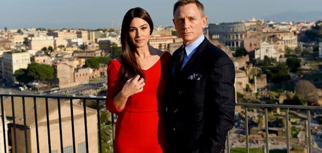 Daniel Craig şi Monica Bellucci în Spectre