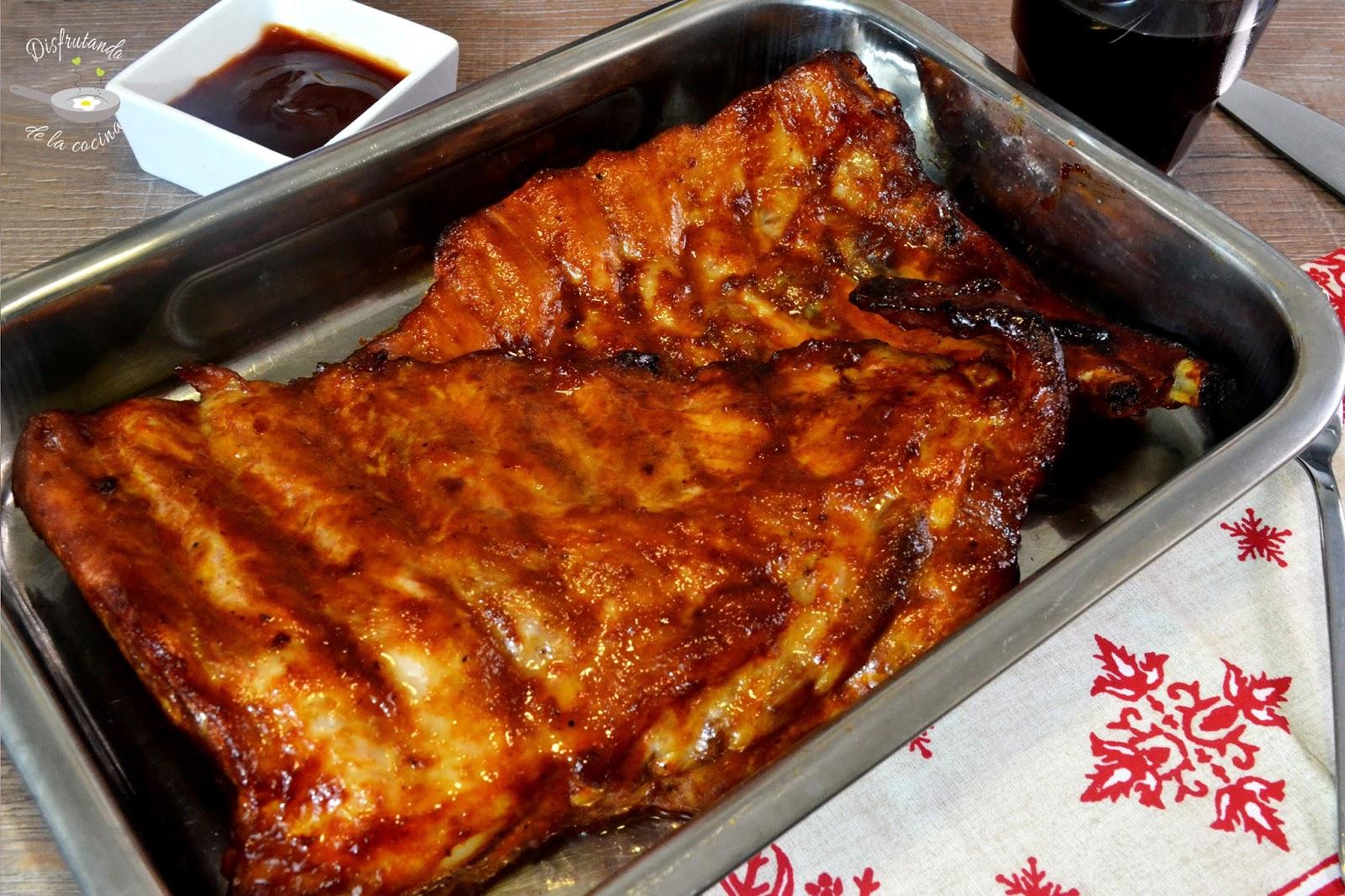 Costillas de cerdo al horno con salsa barbacoa (Receta fácil)