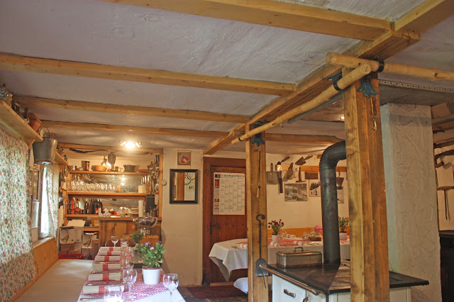 Historische Bobkantine am Riessersee in Garmisch-Partenkirchen - urige Hütte in den Bergen mit geschichtlichem Flair - historic cottage in the Bavarian mountains