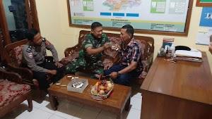 HUT Bhayangkara Ke-74, Polsek Sagaranten Dapat Surprise Dari Koramil 2211