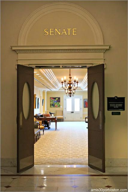 Entrada al Senado en el Massachusetts State House