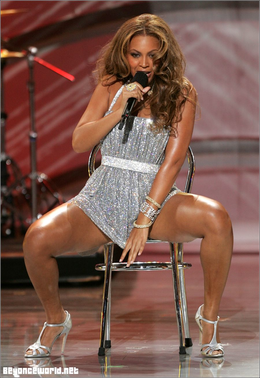beyonce sexy legs naked