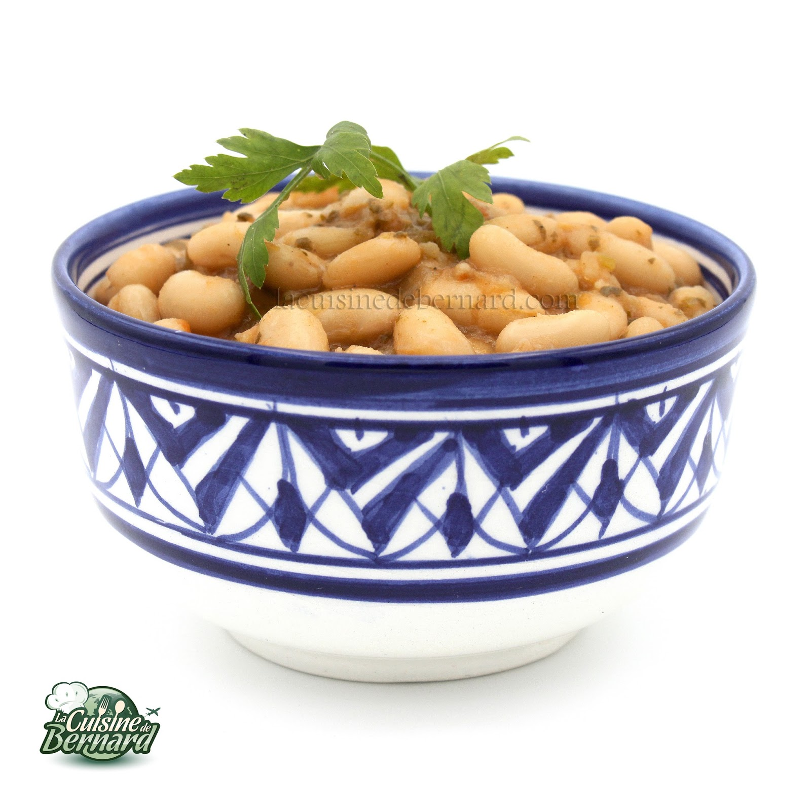 Haricots blancs marocains, tomates, coriandre et persil ...