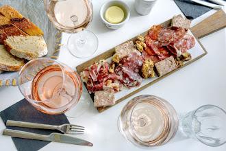 Mes Adresses : Le Bar Arrosé, apéritif estival à la terrasse de la brasserie Champeaux - Paris 1