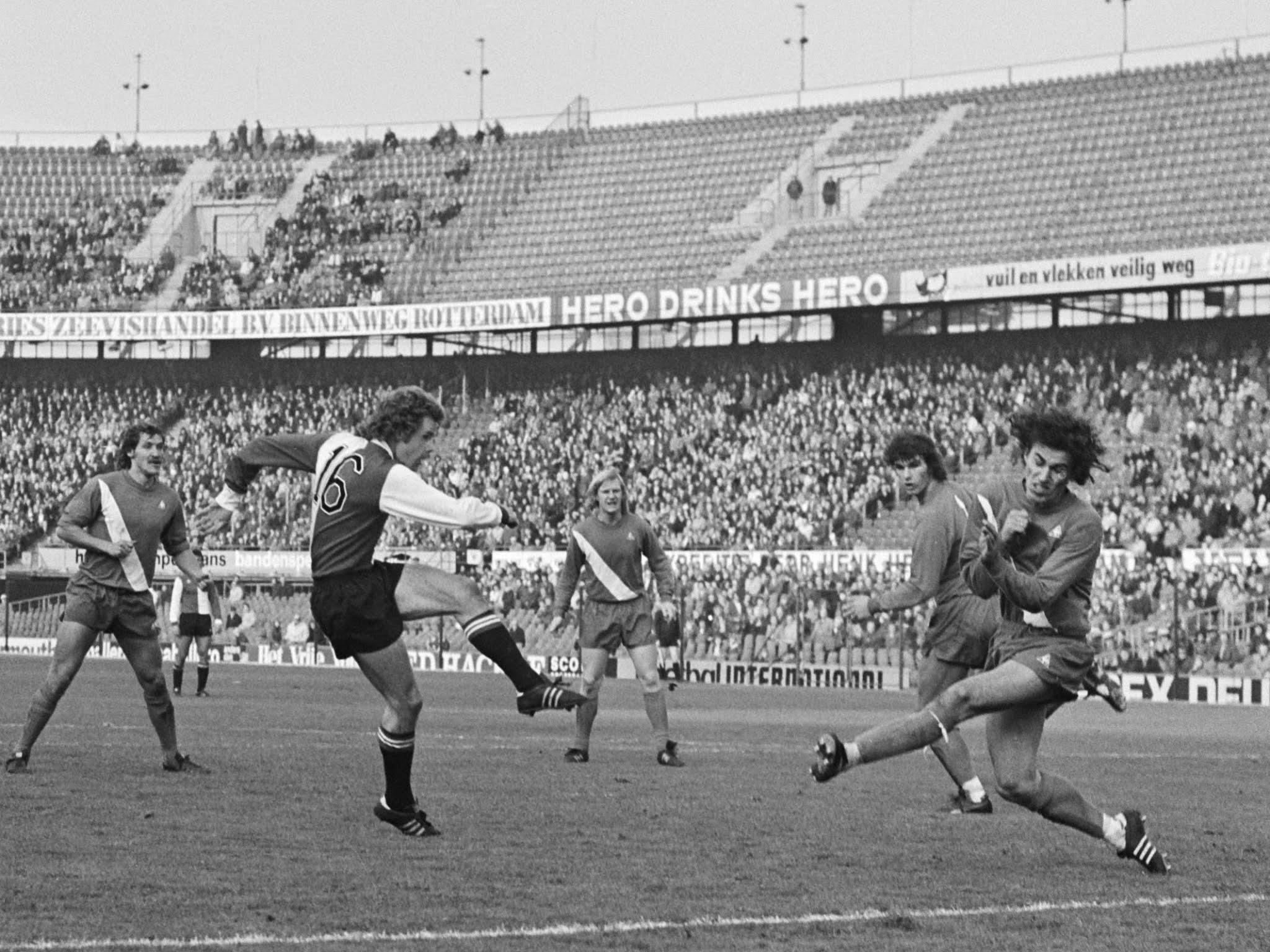 Geoff Wegerle scoort de openingsgoal tegen Sparta