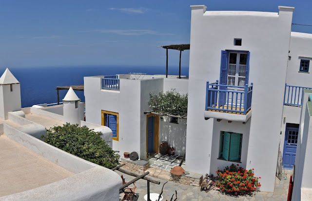 "Information regarding the traditional guest house ""Kyma sto Phos"""
