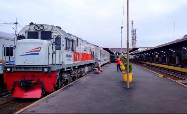kereta api modern