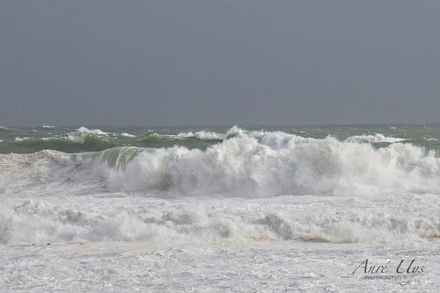 Crashing Waves at Mouille Point