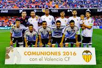 VALENCIA C. F. - Valencia, España - Temporada 2015-16 - Jaume Domenech, Vezo, Santos, Danilo, André Gomes y Parejo; Santi Mina, Piatti, Alcácer, Siqueira y Barragán - VALENCIA C. F. 0 REAL SOCIEDAD DE SAN SEBASTIÁN 1 (Oyarzabal) - 13/05/2016 - Liga de 1ª División, jornada 38 - Valencia, estadio de Mestalla - El Valencia se clasifica 12º en la Liga, con Nuno, Gary Neville y Ayestarán de entrenadores