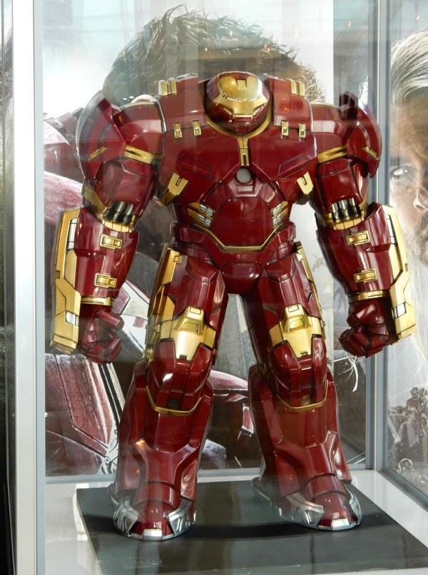 Avengers Age of Ultron Iron Man Hulkbuster armour