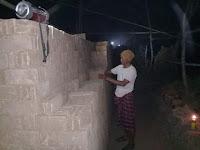 Geliat Usaha Batu Bata di Desa Rada, Pengrajin Keluhkan Mesin Pompa Air dan Penerangan