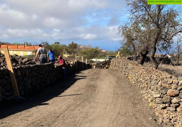El Ayuntamiento mejora el entorno de Cueva Negra en Tacande de Arriba
