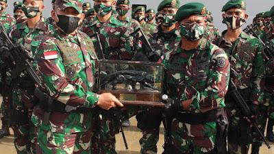 Pangkoopsgab Pinang Sirih-03 Lepas Satgas Pamtas Penyangga Mobile RI-PNG Yonif Raider 515 Kostrad