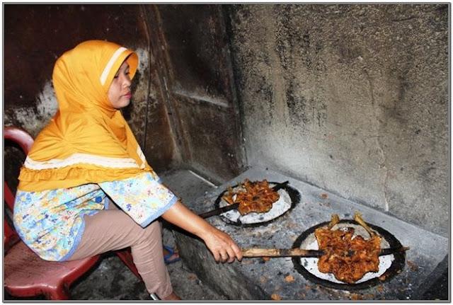 Ayam Panggang Warung Warti;10 Top Kuliner Jombang;