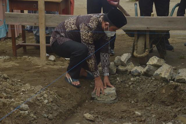 Bupati ASA Letakkan Batu Pertama Pembangunan Masjid Jami' Al Markaz Al Islamy