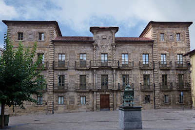 Avilés, Palacio de Camposagrado