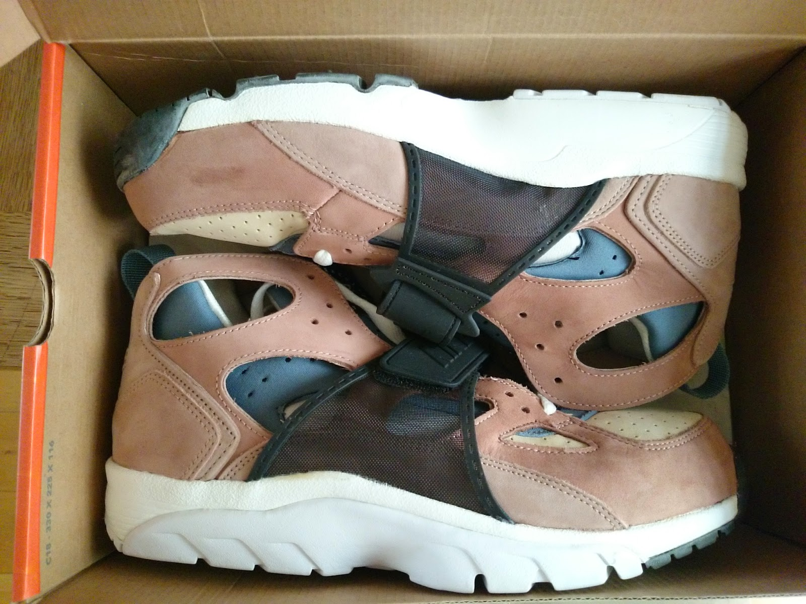 d763a370c867 JOSH S KICKS FOR SALE  Nike Air Huarache Trainer