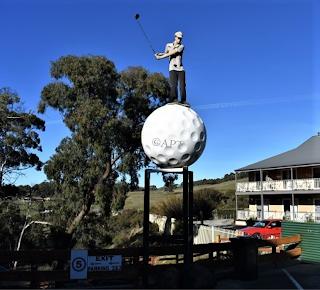 Daylsford BIG Golf Ball   Australian BIG Things
