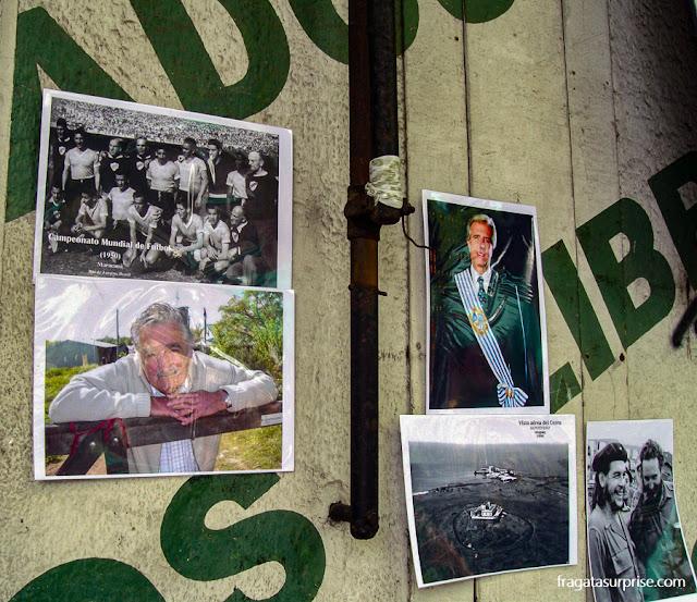 Cartazes à venda na Feira de Tristán Narvaja, Montevidéu, Uruguai