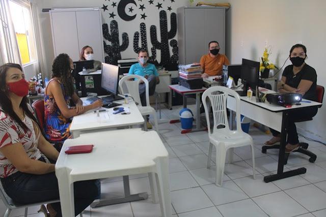 Conselho Municipal de Assistência Social de Caraúbas aprova reprogramação de recursos