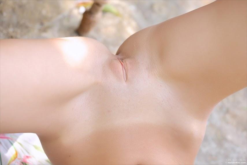 [MPLStudios] Aida - Garden Pastel - Girlsdelta