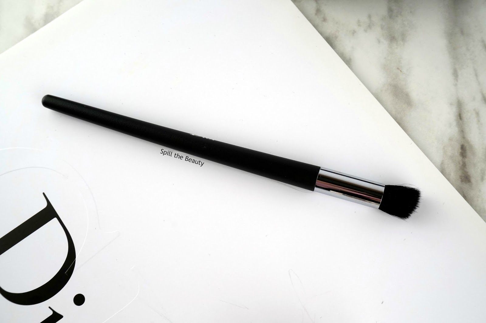 dior eyeshadow brush 22