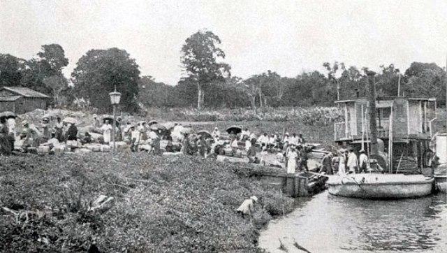 Imigrantes durante atividade à beira do Rio Ribeira- em 1917 já haviam na região 1.060 famílias, totalizando 5.121 pessoas