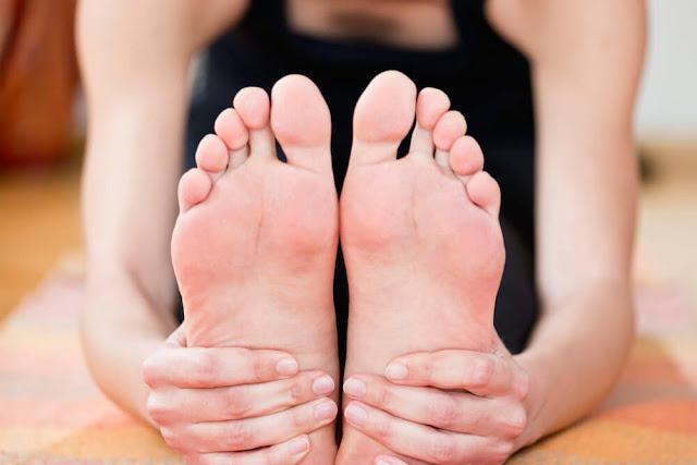 وصفات لعلاج تورم القدمين yuga.jpg