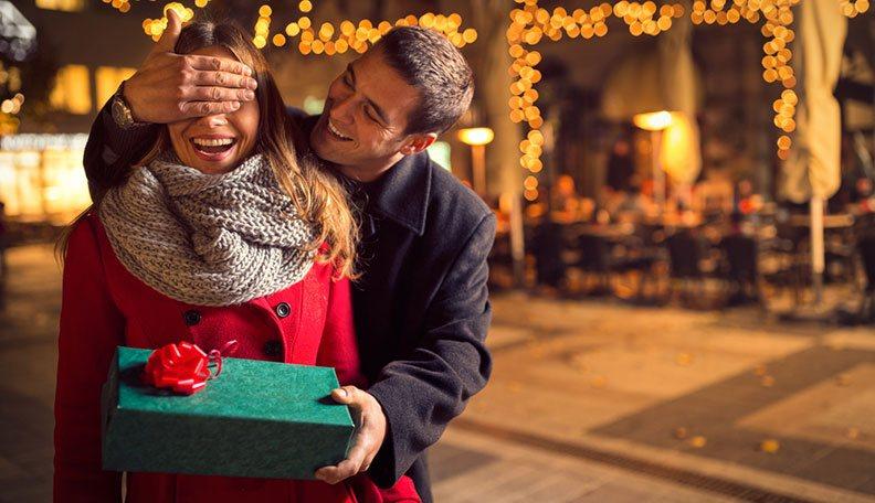 أفكار الهدية تحبها المرأة في عيد الحب