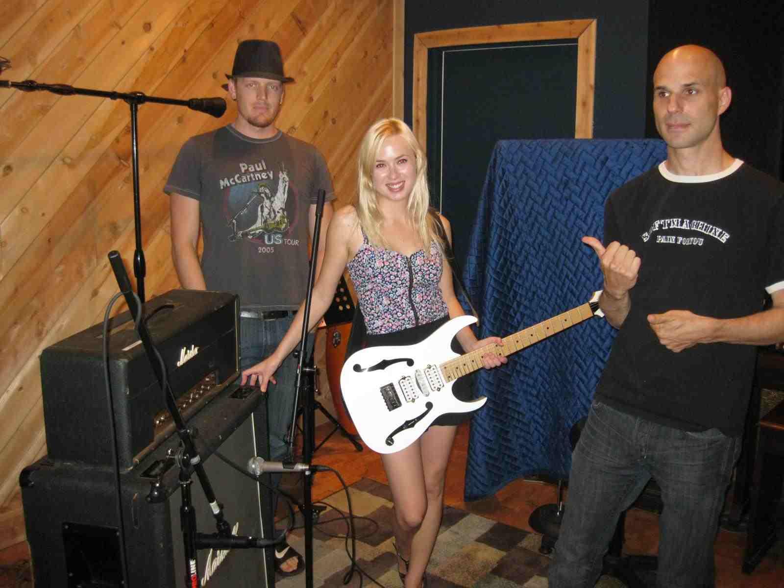 Jessica Gardlund In The Studio Recording