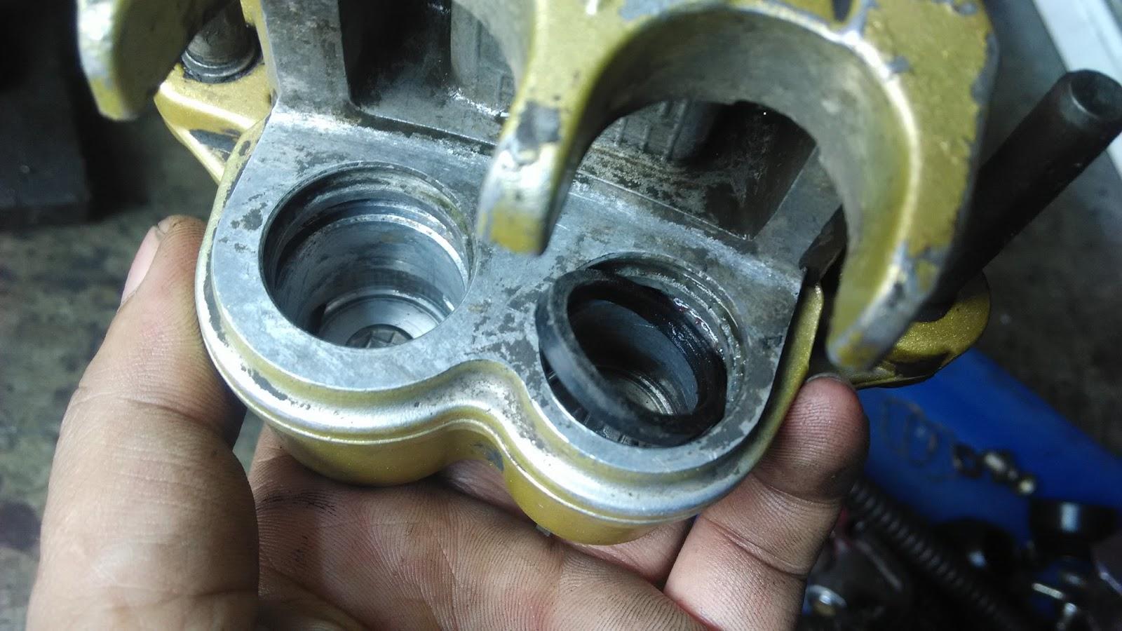 perawatan mesin motor: cara memperbaiki rem cakram seret dab rem