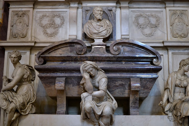 Tumba de Miguel Ángel santa croce florencia italia