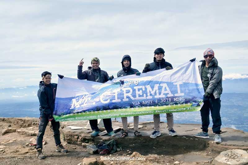 Pendakian Pertama Langsung ke Gunung Ciremai