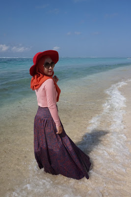 style hijab pantai simple baju ketat