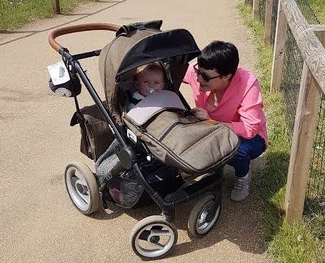 Mutsy Evo Travel System, Maxi Cosi Car Seat Compatible, Pram, Pushchair, Stroller Review. ChatterFox UK parenting and lifestyle blogger.